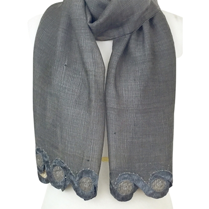 Picture of Wavy Border Scarf